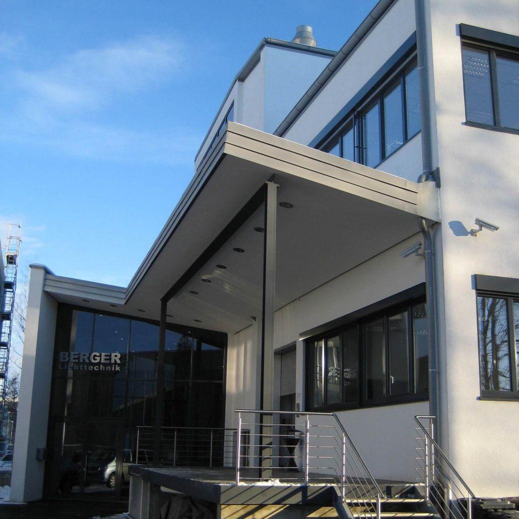 Neubau eines Gewerbegebäudes mit Tiefgarage in Pullach